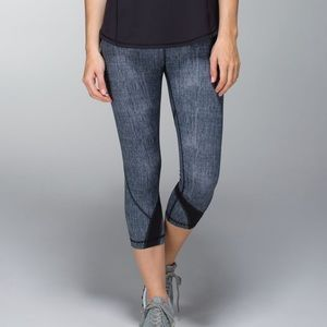 Like new Sz 6 Lululemon Run Inspire crops